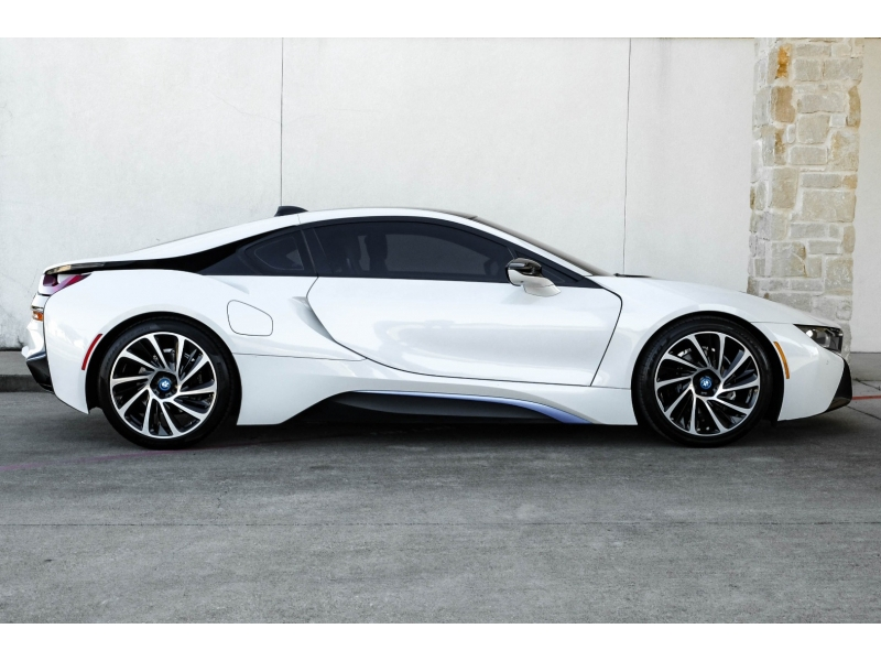 BMW I8 2015 price Call for Pricing.