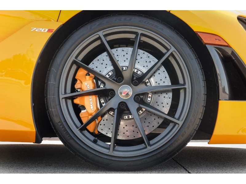 Mclaren 720S 2018 price $269,491