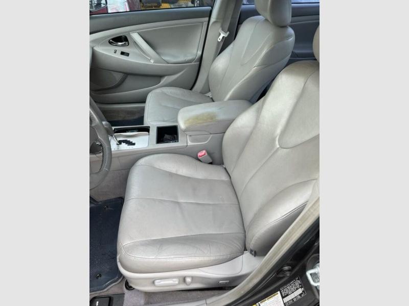 Toyota Camry Hybrid 2007 price $5,300