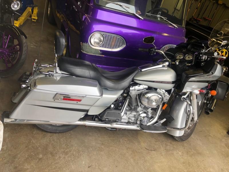 HARLEY ROAD GLIDE 2006 price $10,500