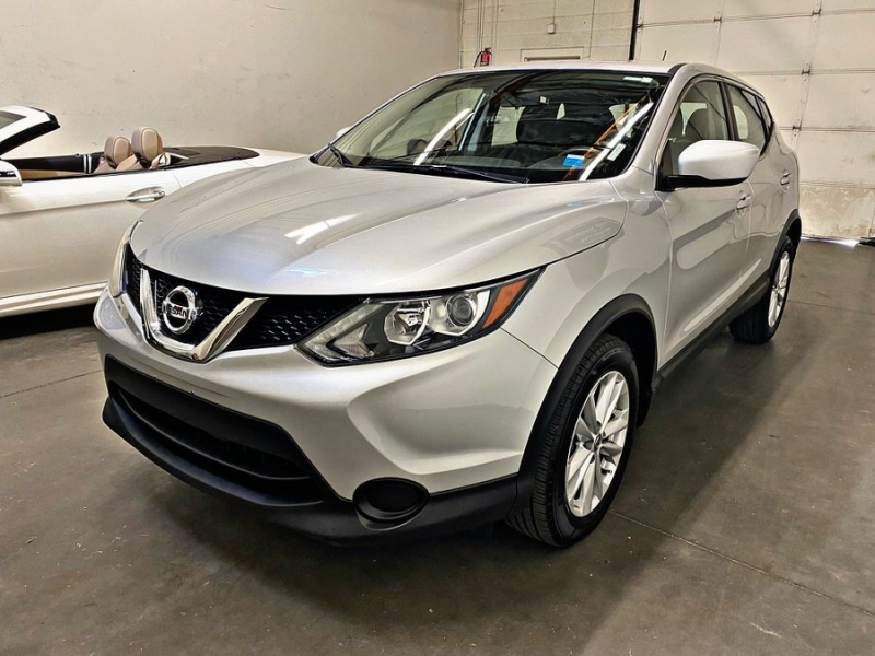 Nissan Rogue 2018 price $16,000