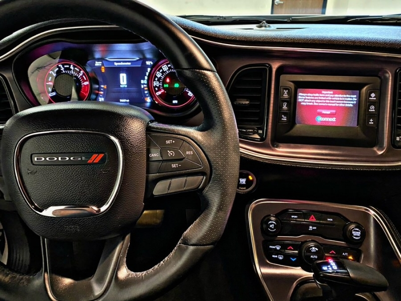 Dodge Challenger 2016 price $18,900