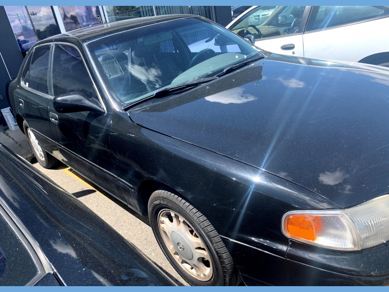 Toyota Camry 1996 price $1,950