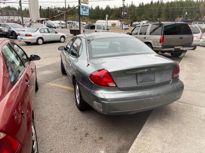 Ford Taurus 2005 price $2,495