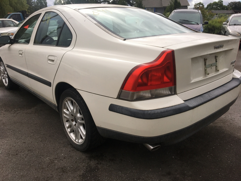 Volvo S60 2002 price $700 Selling Price
