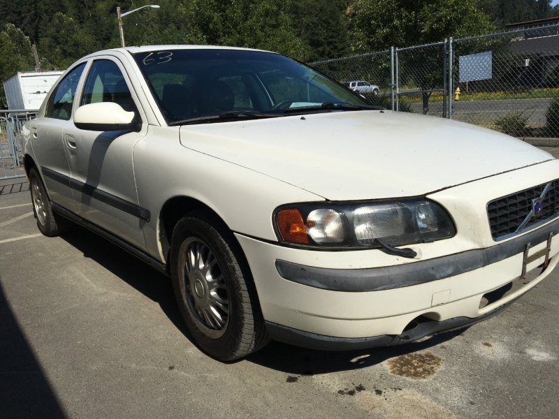 Volvo S60 2001 price $1,675 Cash
