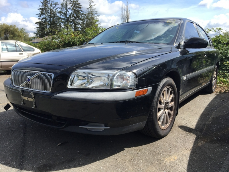Volvo S80 2001 price $400 Cash