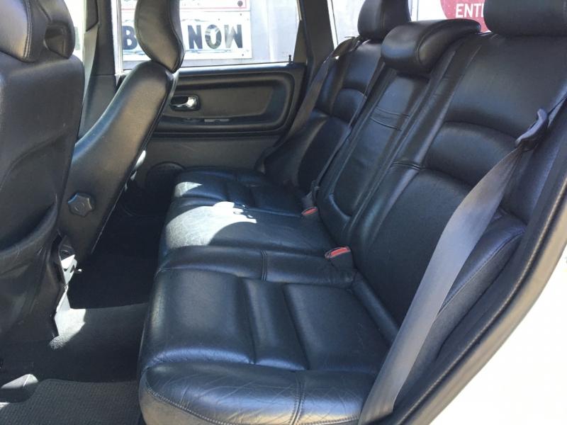 Volvo V70 2000 price $1,000 Cash