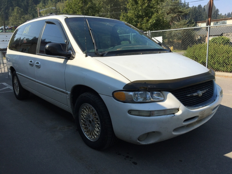 Chrysler Town & Country 1998 price $1,000 Cash