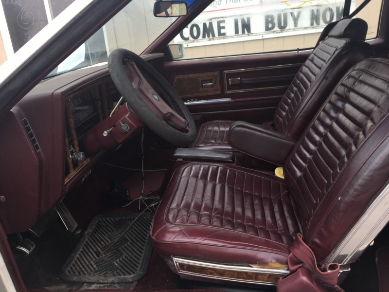 Buick Riviera 1983 price $920 Cash