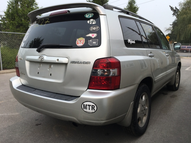 Toyota Highlander 2005 price $2,100 Cash