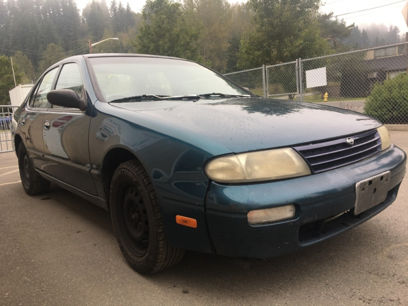 Nissan Altima 1996 price $350 Cash