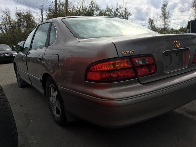 Toyota Avalon 1999 price $600 Cash