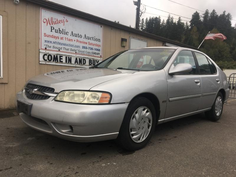 Nissan Altima 2001 price $300 Cash