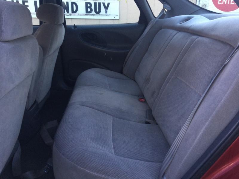 Ford Taurus 1999 price $675 Cash