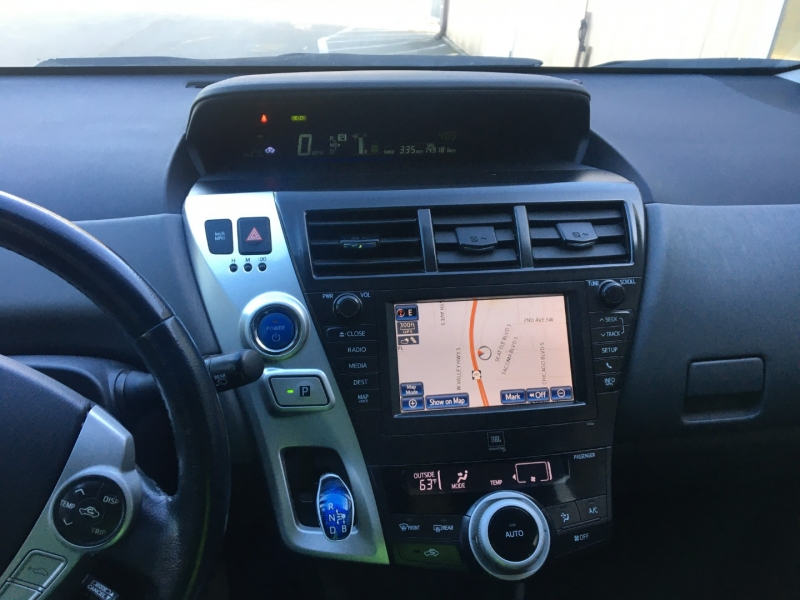Toyota Prius v 2013 price $6,500 Cash