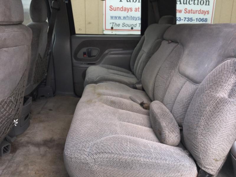 Chevrolet Suburban 1998 price $1,400 Cash