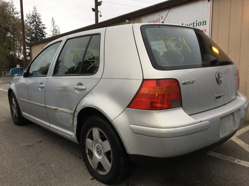 Volkswagen Golf 2000 price $500 Cash