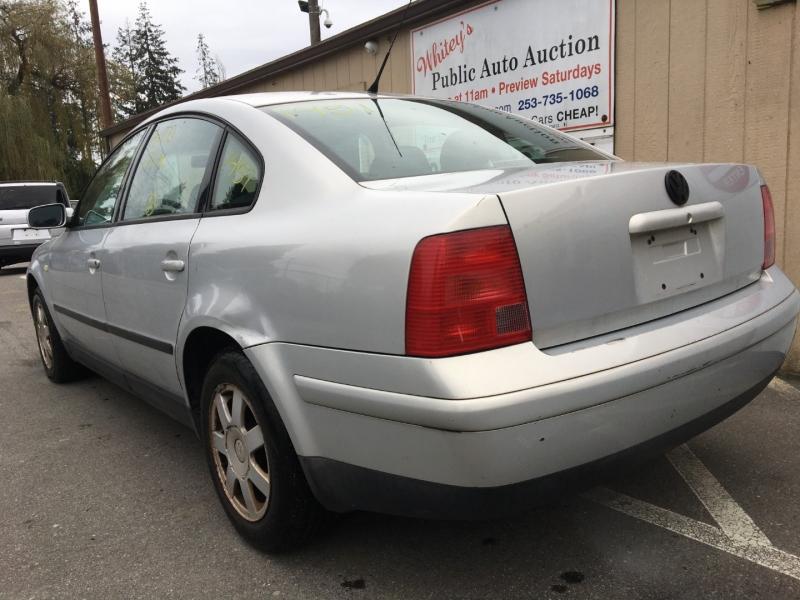 Volkswagen Passat 2000 price $1,050 Cash