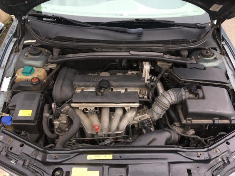 Volvo S60 2002 price $2,600 Cash