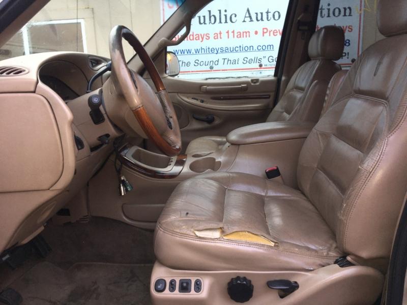 Lincoln Navigator 1998 price $450 Cash