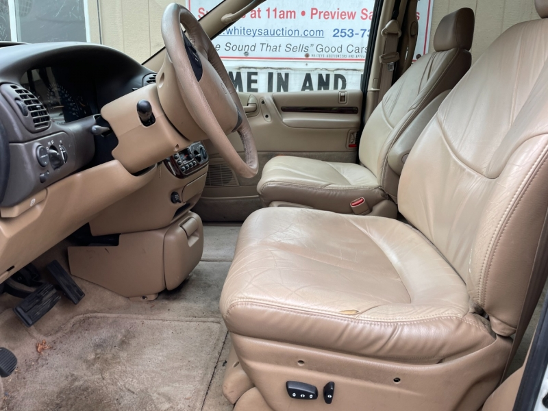 Chrysler Town & Country 1996 price $1,125 Cash