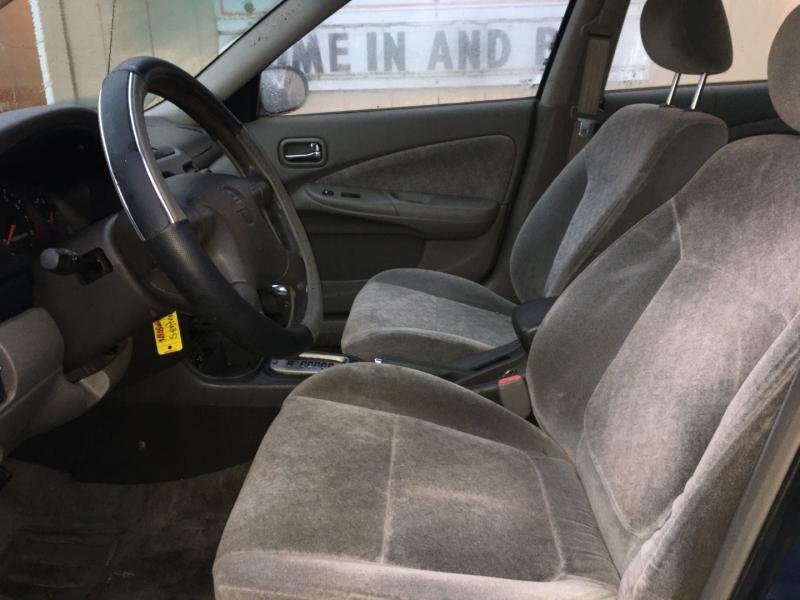 Nissan Sentra 2001 price $1,800 Cash