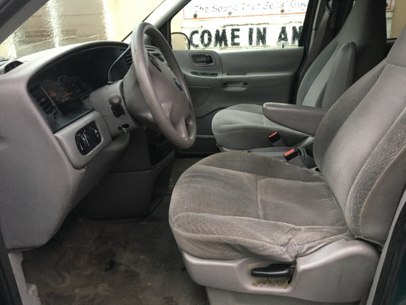 Ford Windstar Wagon 2003 price $1,075 Cash