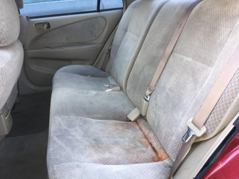 Toyota Corolla 2000 price $375 Cash