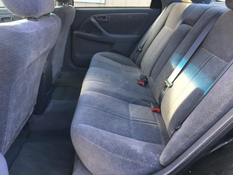 Toyota Camry 1998 price $700 Cash