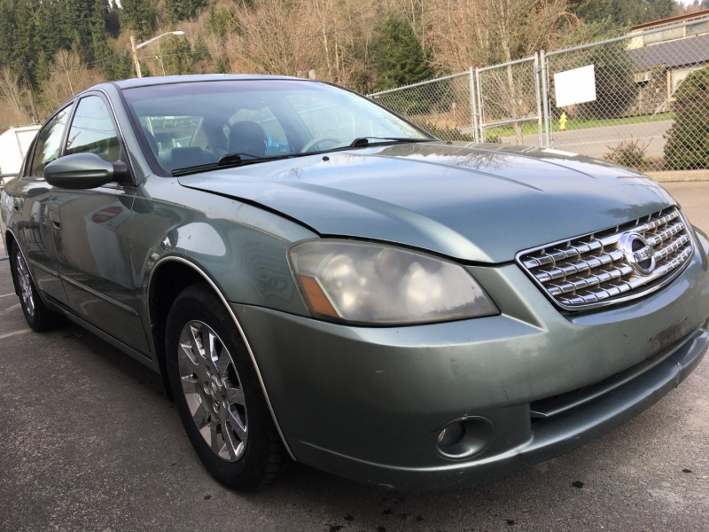 Nissan Altima 2005 price $1,750 Cash