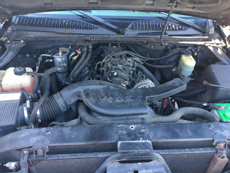 GMC Yukon XL 2002 price $2,400 Cash
