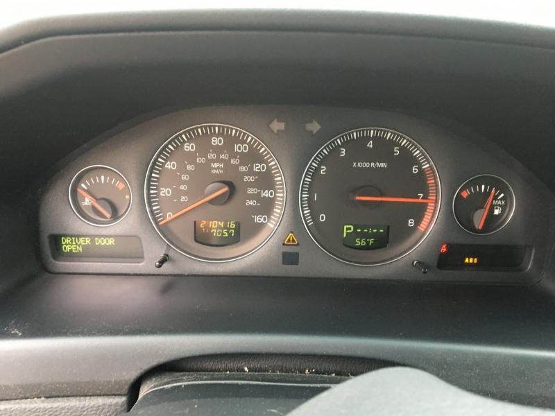 Volvo XC70 2006 price $2,750 Cash