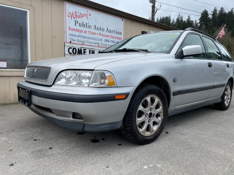 Volvo V40 2000 price $1,500 Cash