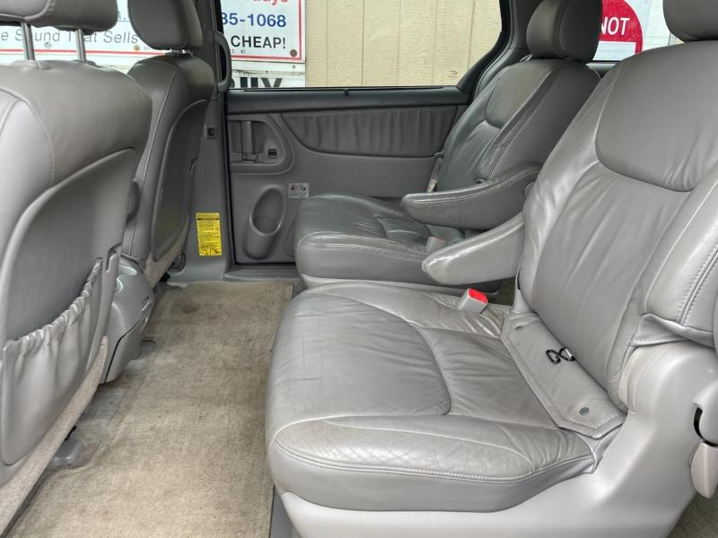 Toyota Sienna 2005 price $6,450 Cash