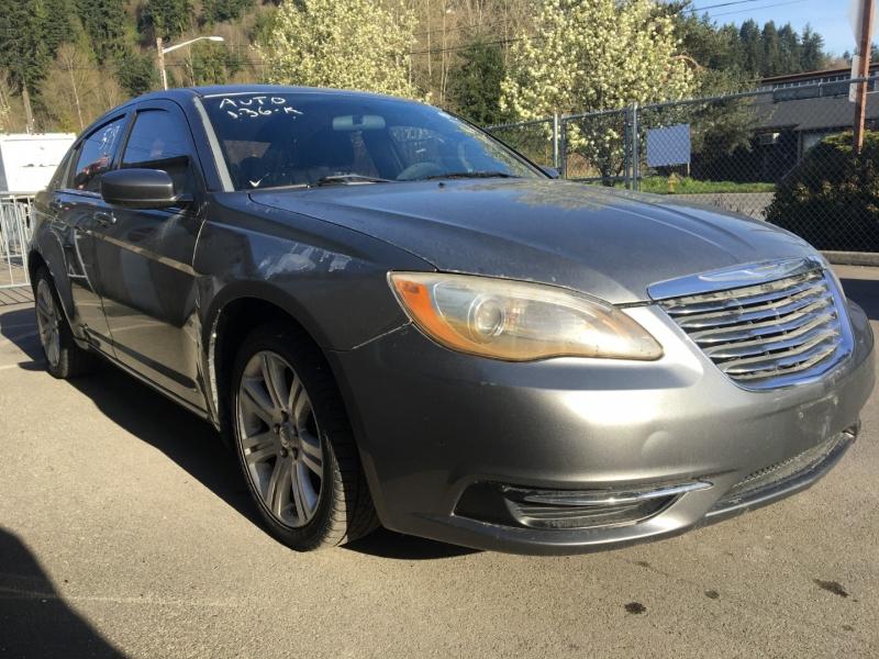 Chrysler 200 2011 price $2,375 Cash