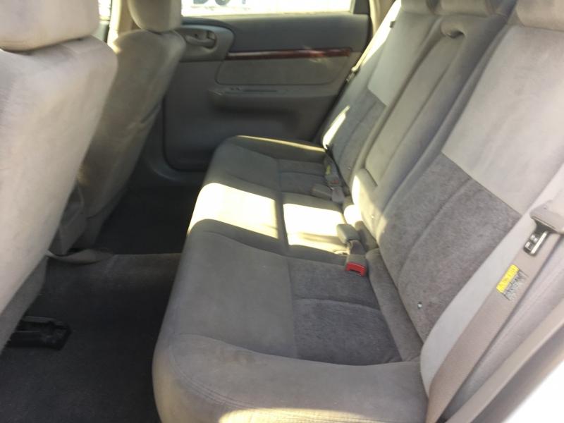 Chevrolet Impala 2004 price $2,000 Cash
