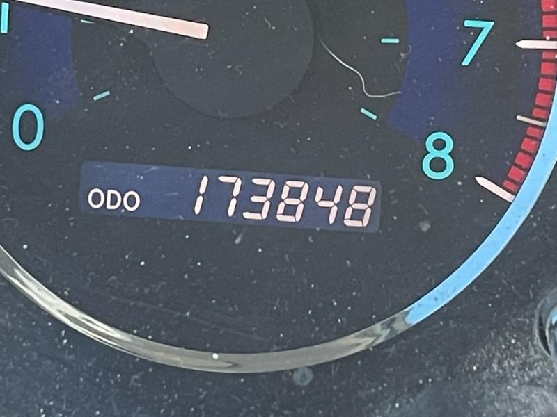 Toyota Sienna 2008 price $6,400 Cash