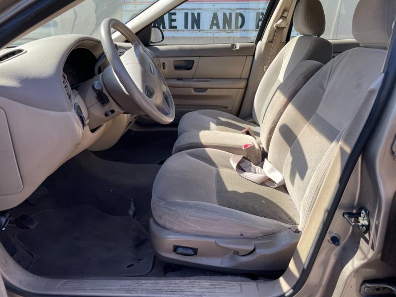 Ford Taurus 2003 price $1,075 Cash
