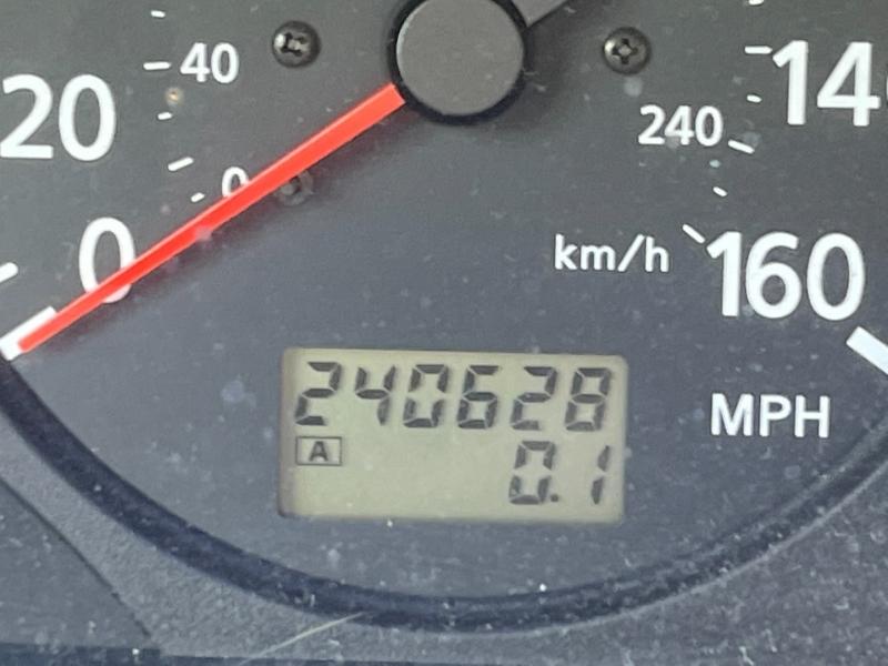 Nissan Maxima 2000 price $1,475 Cash