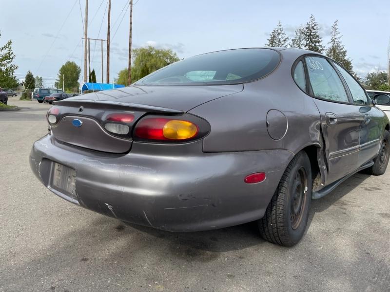 Ford Taurus 1996 price $450 Cash