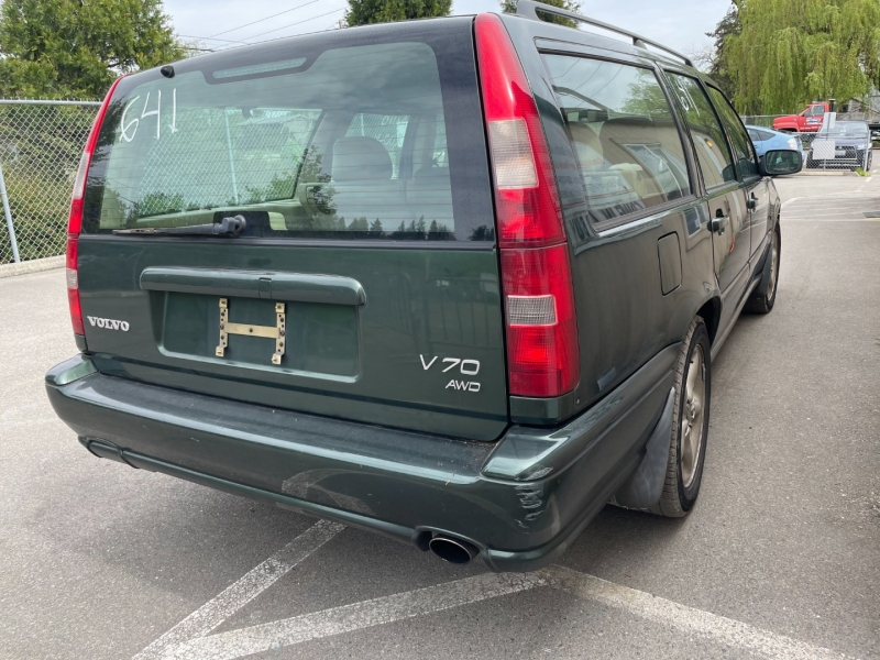 Volvo V70 1998 price $1,475 Cash