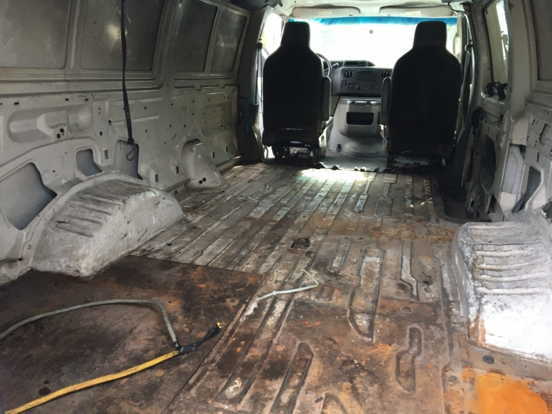 Ford Econoline Cargo Van 2012 price $3,000 Cash