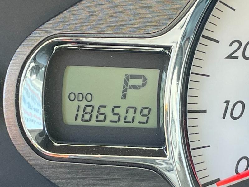 Toyota Sienna 2011 price $8,000 Cash