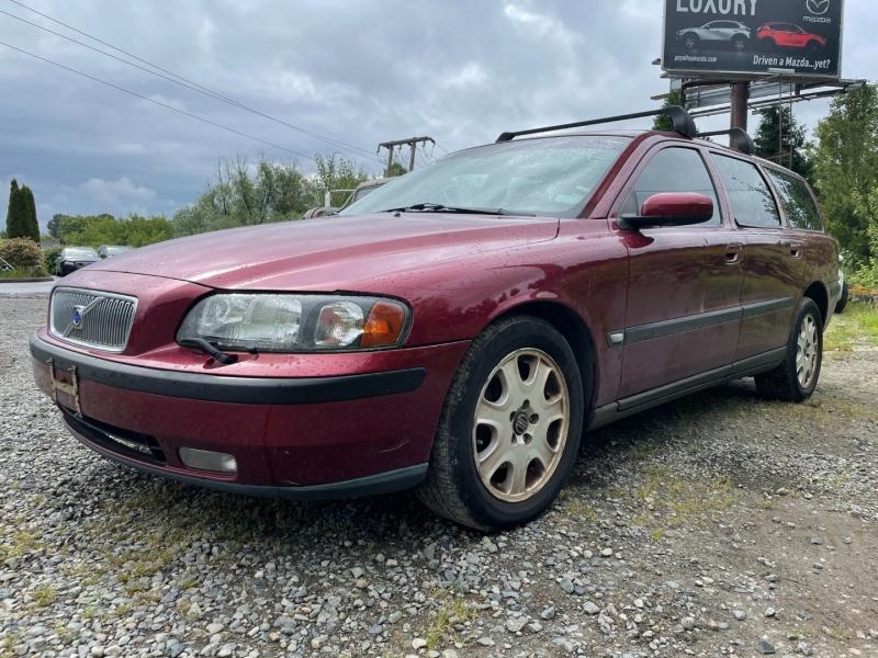 Volvo V70 2004 price $1,650 Cash