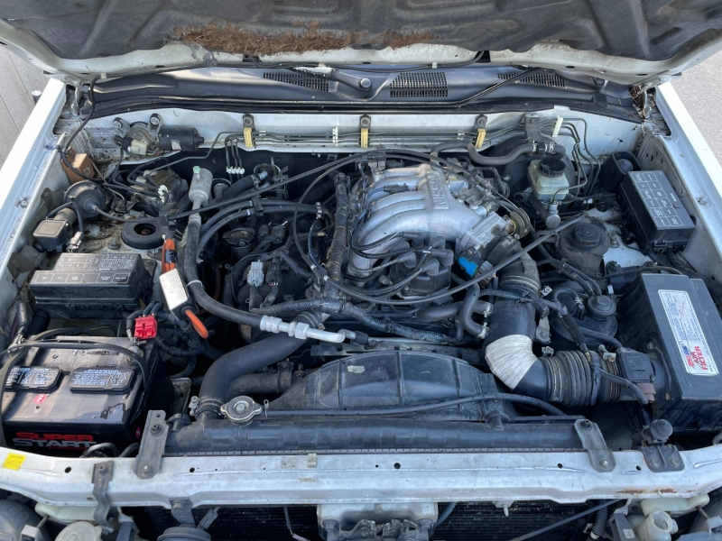 Nissan Pathfinder 1996 price $1,000 Cash