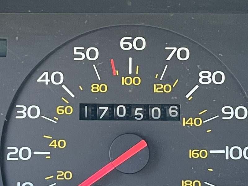 Volvo 740 1987 price $1,100 Cash