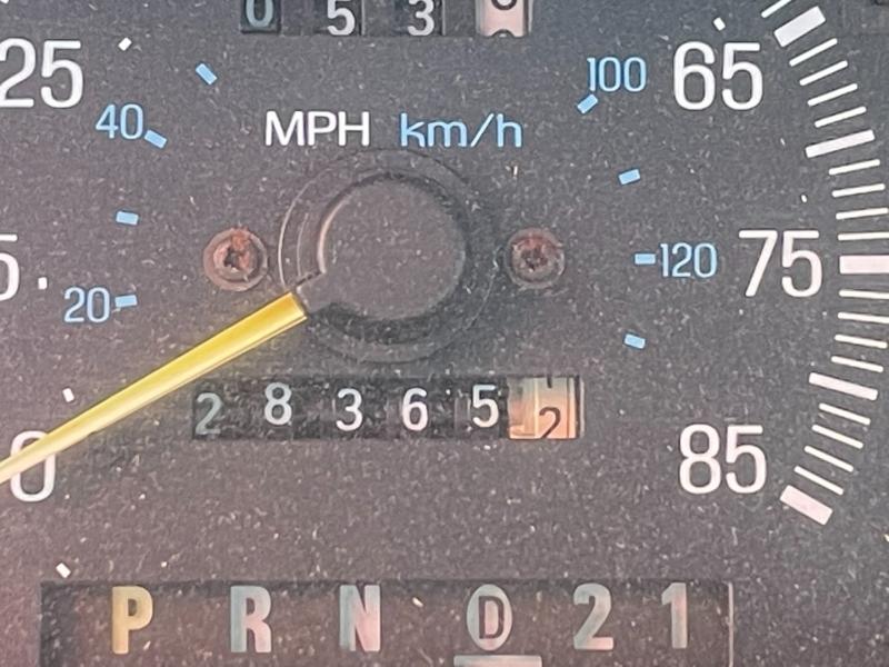 Ford F-250 1990 price $900 Cash