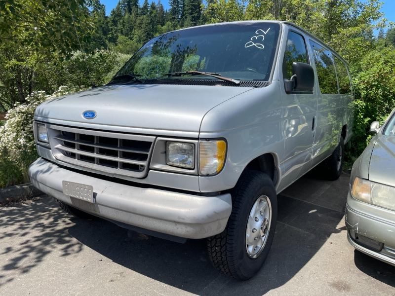 Ford econoline 1995 price $675 Cash