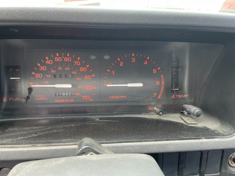 Mazda B2600i 1993 price $1,050 Cash